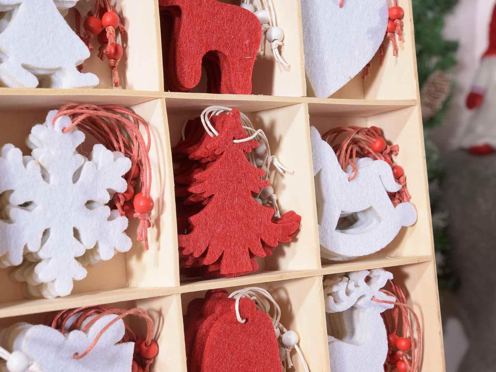 Espositore 192 decorazioni natalizie in panno da appendere - Decorazioni natalizie in feltro ...