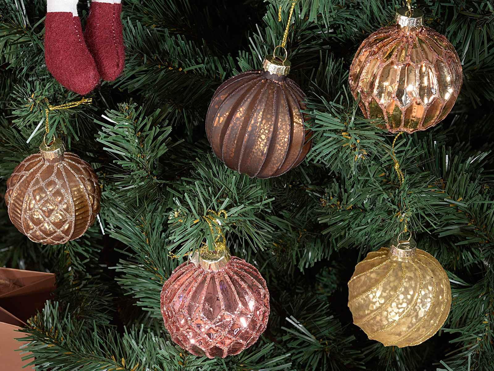 set mit 12 weihnachtsglaskugeln zum aufh ngen. Black Bedroom Furniture Sets. Home Design Ideas