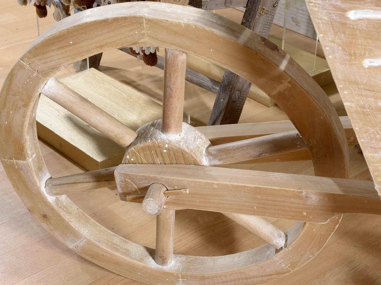 Brouette d co en bois grandeur nature art from italy - Brouette bois decorative ...