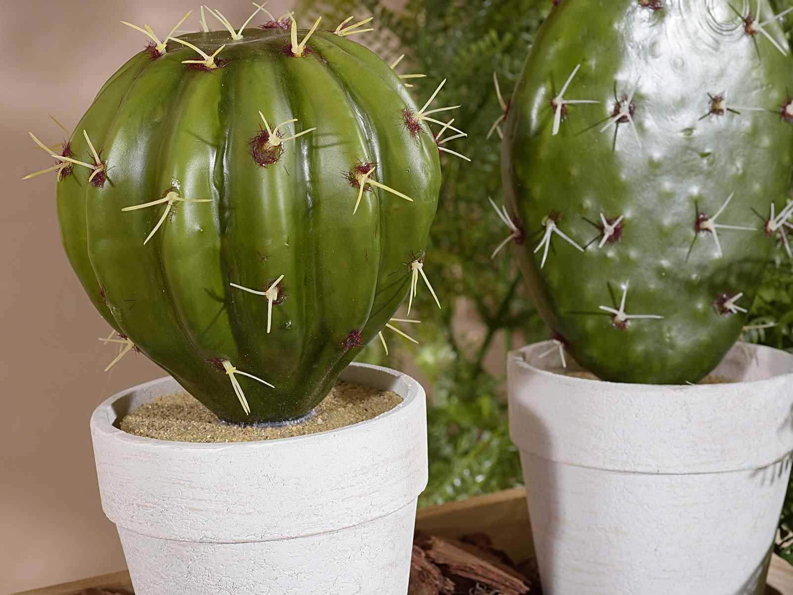 cactus artificiel dans pot de resine art from italy. Black Bedroom Furniture Sets. Home Design Ideas