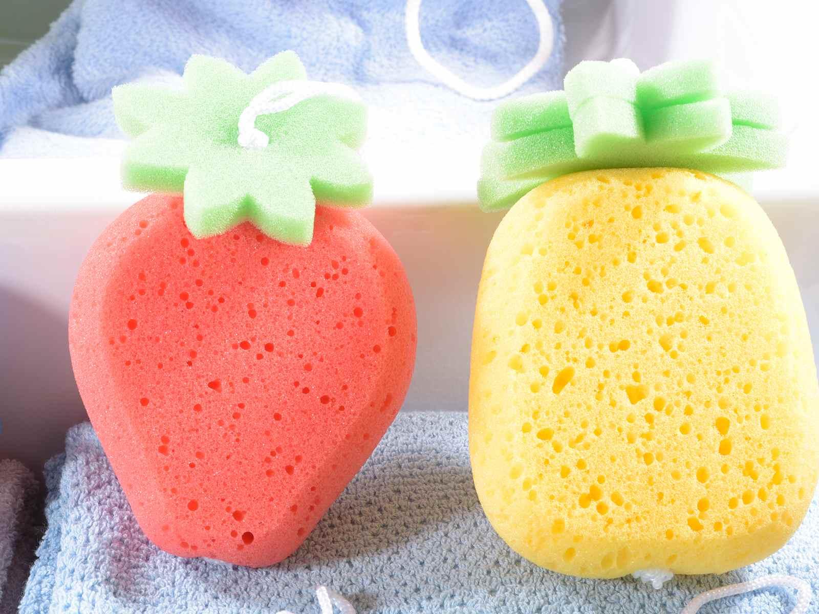 Spugna da bagno colorata a forma di frutta con cordino (95.03.11 ...
