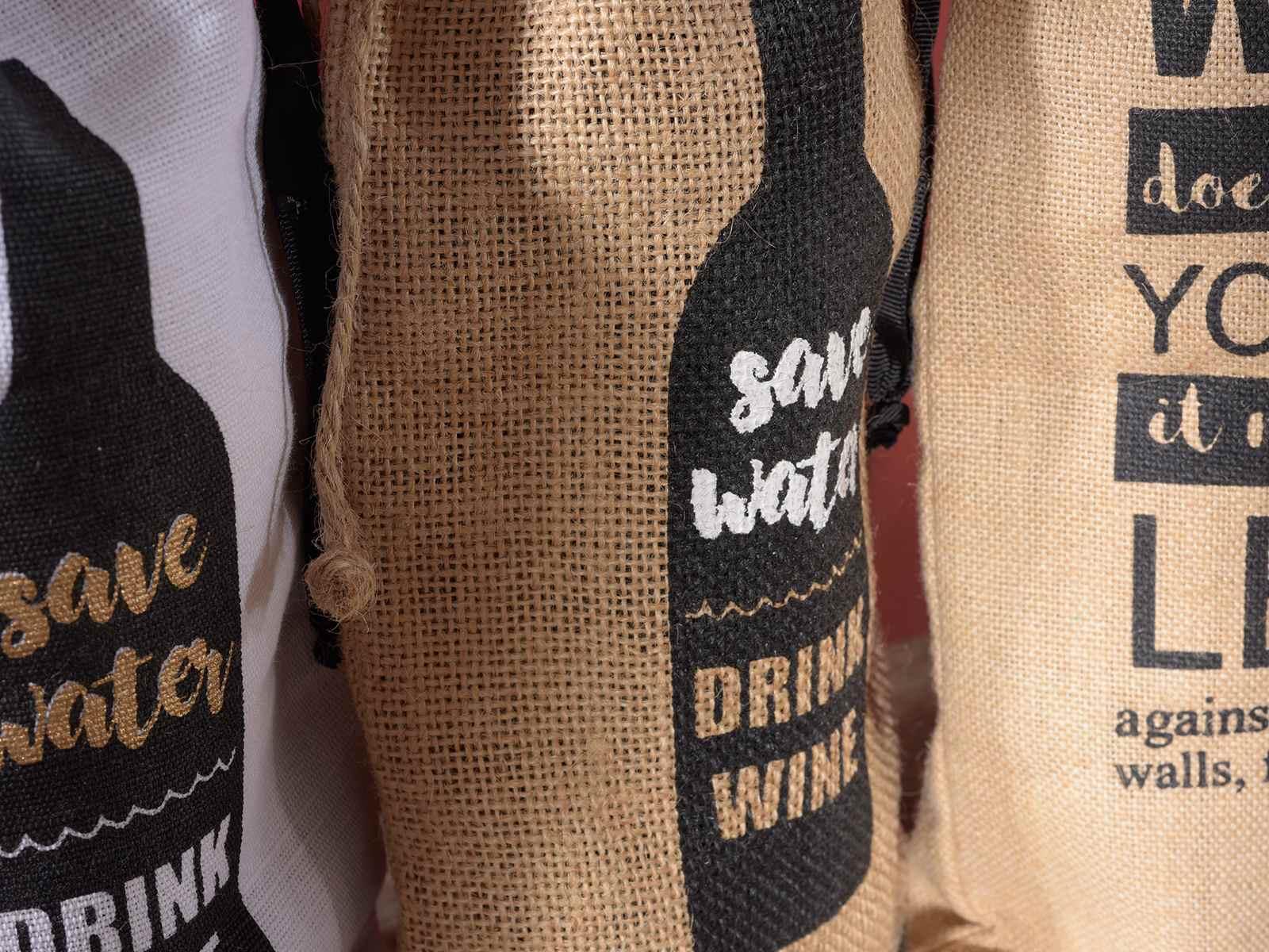 af19bd322 Bolsas para botellas en yute y tela, decoracione vino (58.06.12 ...