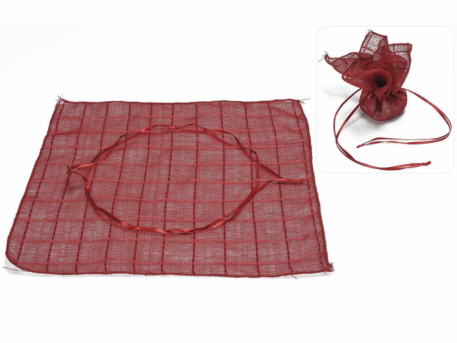 Saquito de tul cuadrado de tela roja art from - Saquitos de tela ...