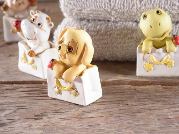 Resin baby animal w-ladybug