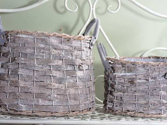 Set 2 wooden baskets w-cloth handles