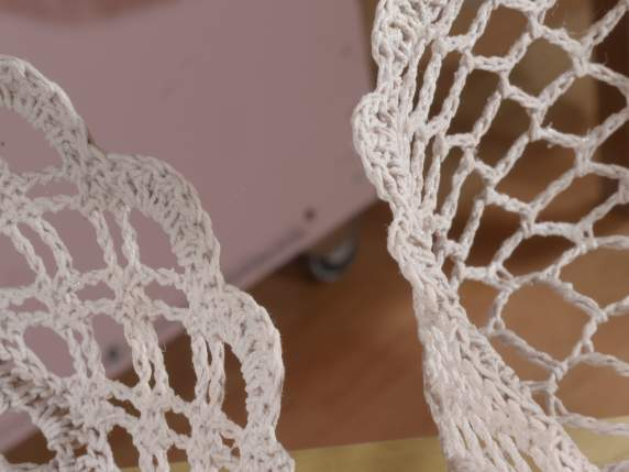 Set 2 heart shaped baskets in coloured lace