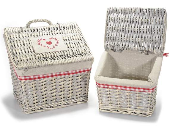 Set 2 baskets with cloth and decorations
