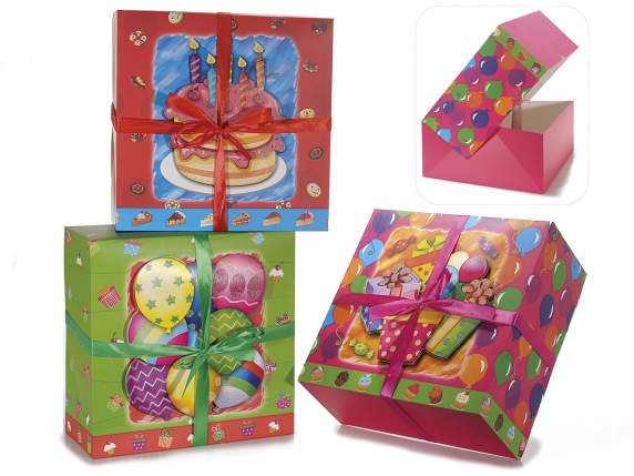 Colored paper cake boxes with 3D decoration