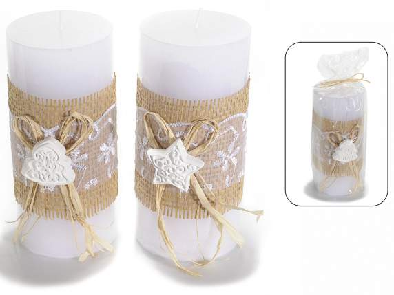 Cylindrical candles decorated with lace and jute