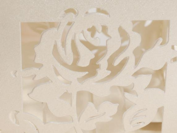 Cardboard carving rose ecrù box for sugared almond.