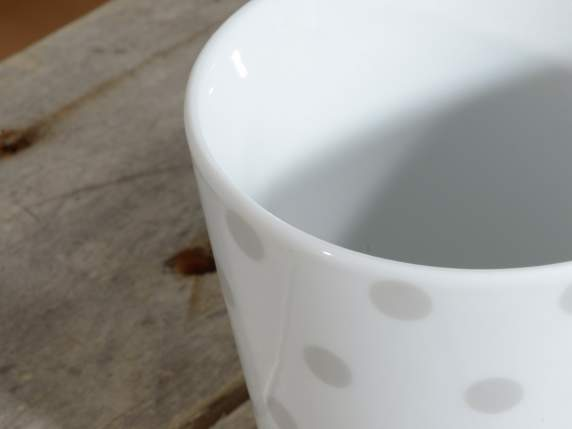 Ceramic mug with geometrical printing