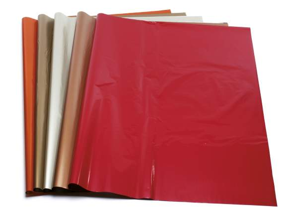 Pack of 100 assorted sheets of wrapping paper