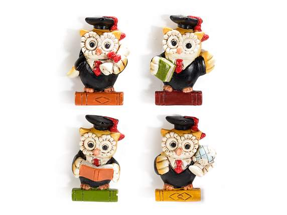 Colored polyresin graduation owl magnet
