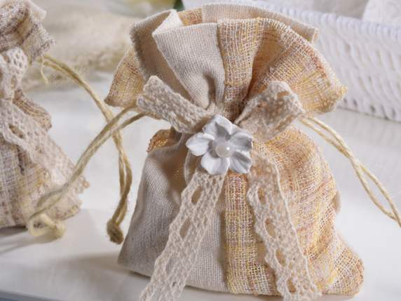 Decorative sachets in cloth with gypsum flower