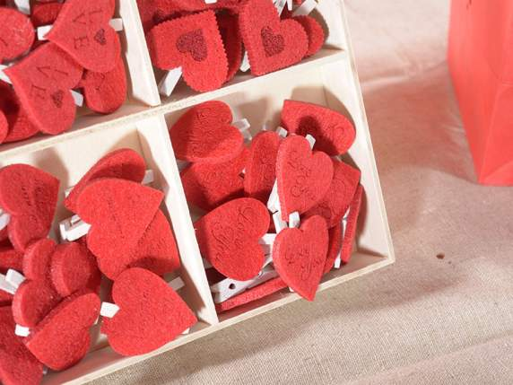 Pack 108 wood clips with felt heart
