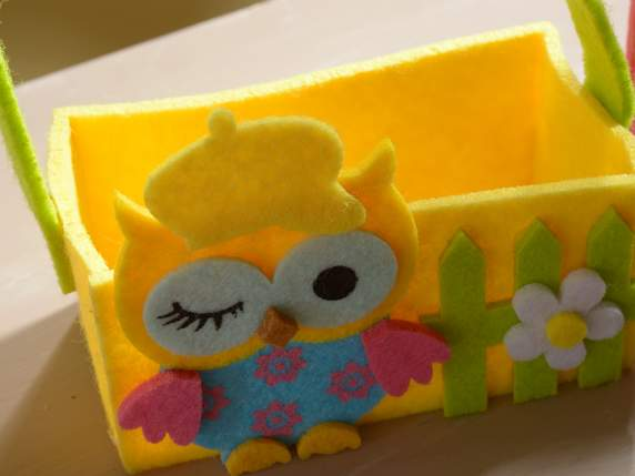 Felt colored basket with decoration owl