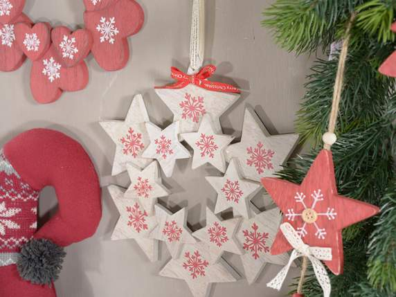 Hanging wooden garland w-hearts and stars