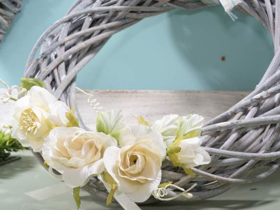 Grey round wicker garland.