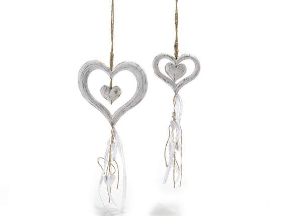 Set 2 white wooden hearts w-ribbons and pendants