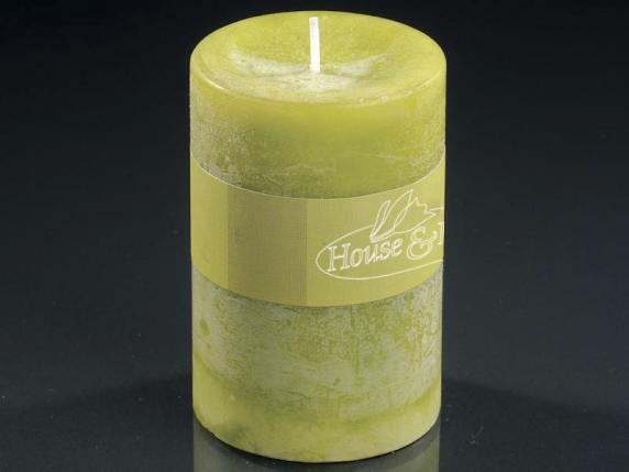 Medium green candle 6,5x9,5cm  - burning time 47 hours.