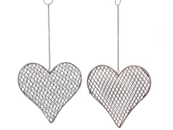 Decorative openable hearts in metal to hang