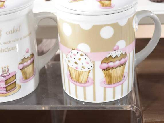 Mug teapot wih cupcake decoration in gift box