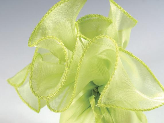 Sugared almond sachet in tulle silk effect green colour