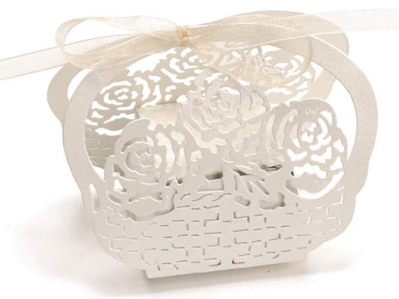 Pearly paper shaped flower ecrù box for sugared almond.