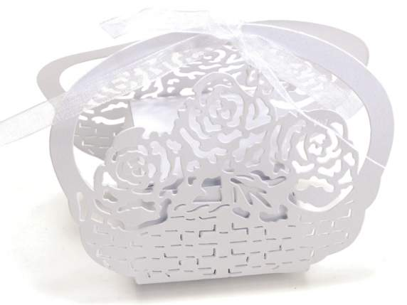 Pearly paper shaped flower white box for sugared almond.