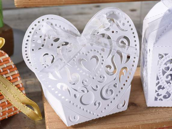 Pearly paper shaped heart white box for sugared almond.