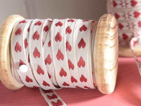 Cloth ribbon with embroided hearts