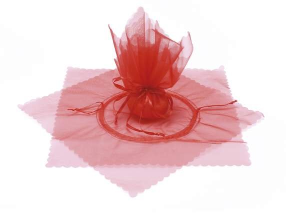 Red sugared almonds holder in tulle with string