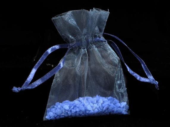 Sacchetto in organza royal blu cm 8x11 con tirante