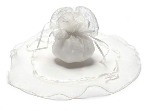 Canvas sugared almond sachets w-round base and white string