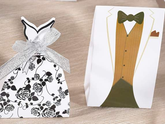 Paper sugared almonds holder w-groom and bride