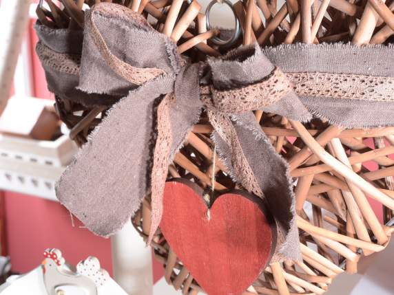 Set of 2 wicker hearts with lace and deco
