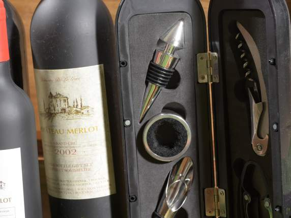 Wine bottle gift set