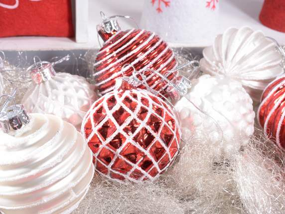 Christmas balls in worked glass with glitter
