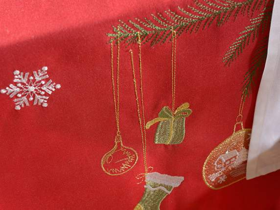 Cloth table runner w-Christmas embroidery