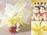 Wholesale favors: keyrings, tulle and little roses